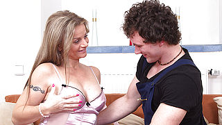 Hot steamy MILF playing with her toyboy