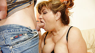 Kinky mama gets a warm present up her fanny