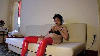 Slutty grannt likes to play kinky and wild